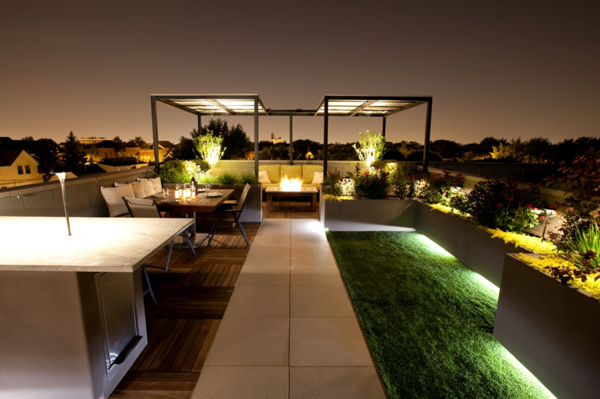 Porcelain Pavers and Ipe Structural Panels on Roof Top 1